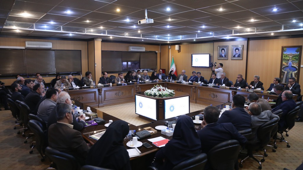 استاندار فارس در جلسه شورای گفت و گوی دولت و بخش خصوصی