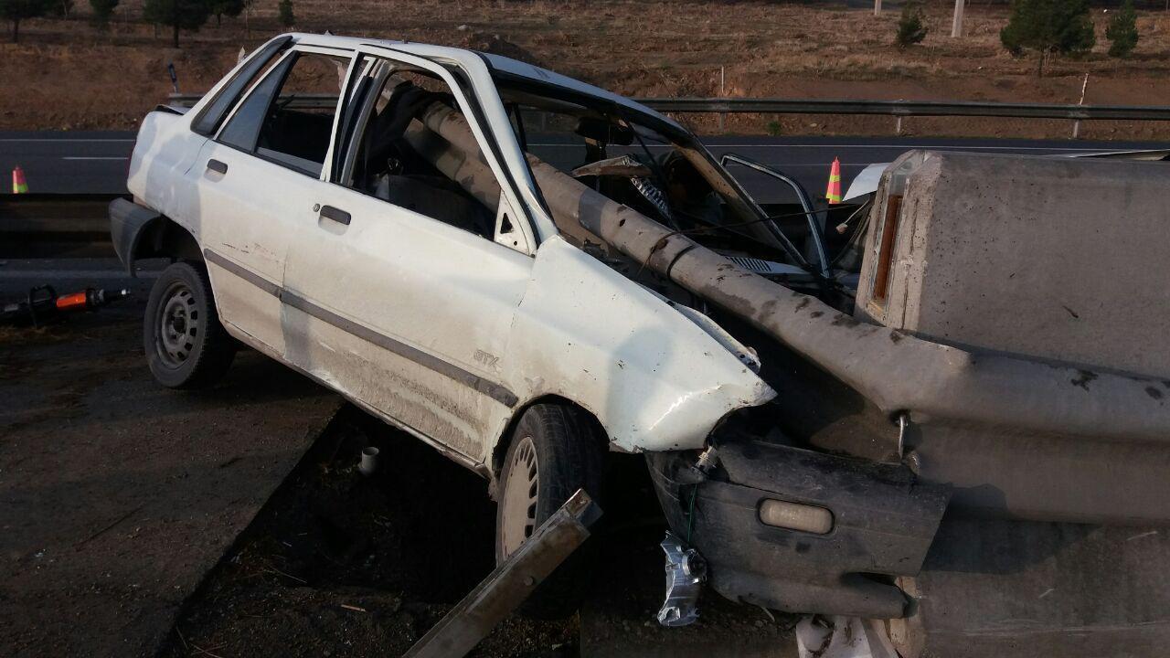 واژگونی خودرو پراید  در آزاد راه شهید شوشتری مشهد