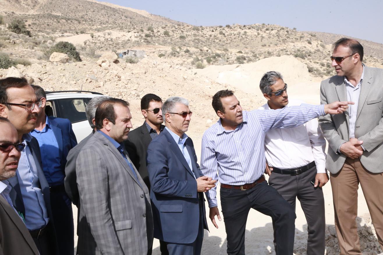 استاندار فارس در بازدید از پروژه های عمرانی شیراز و صدرا اعلام داشت