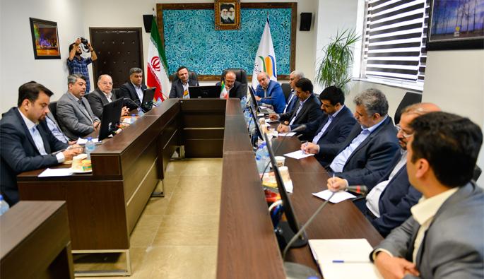 معاون وزیر اقتصاد و رییس کل گمرک ایران
