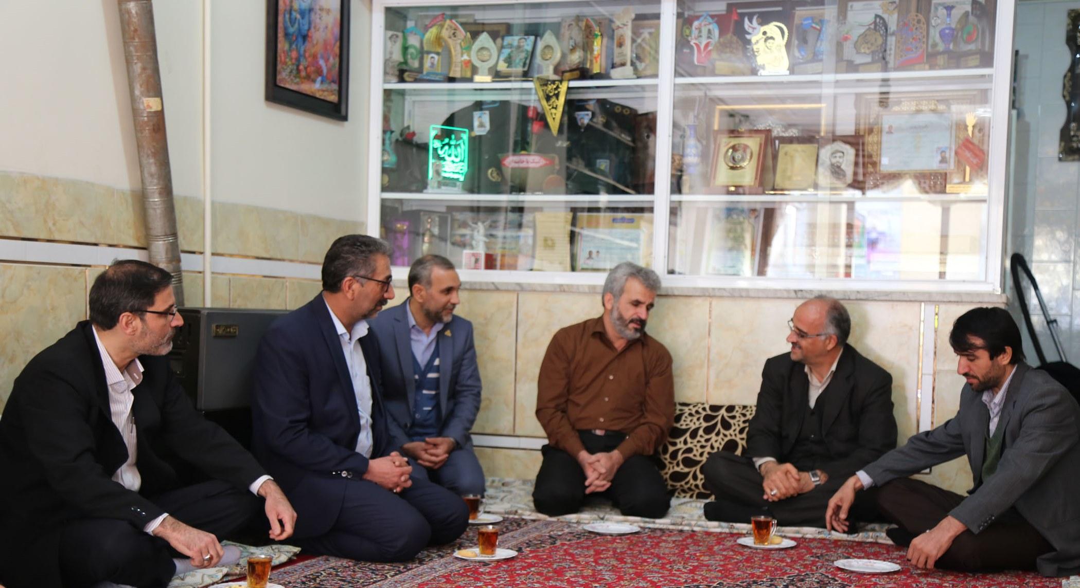 اصفهان- خانواده شهید حججی
