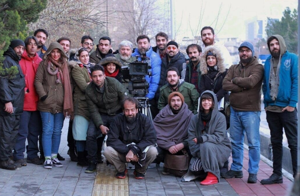 اکبر محمدی در پشت صحنه فیلم کوتاه قفل با حضور علی انصاریان