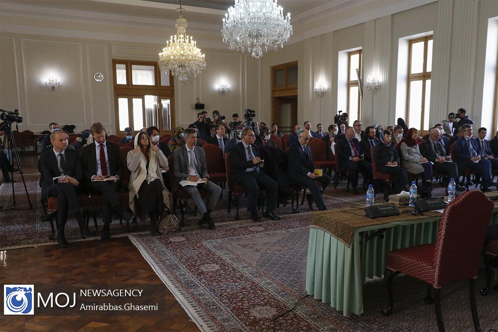 نشست تشریح اقدامات کنترلی دولت برای مبارزه با کرونا