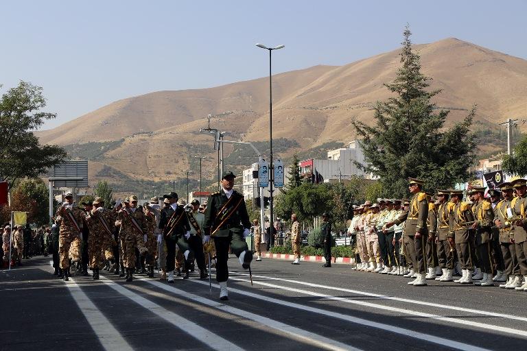 رژه نیروهای مسلح سنندج