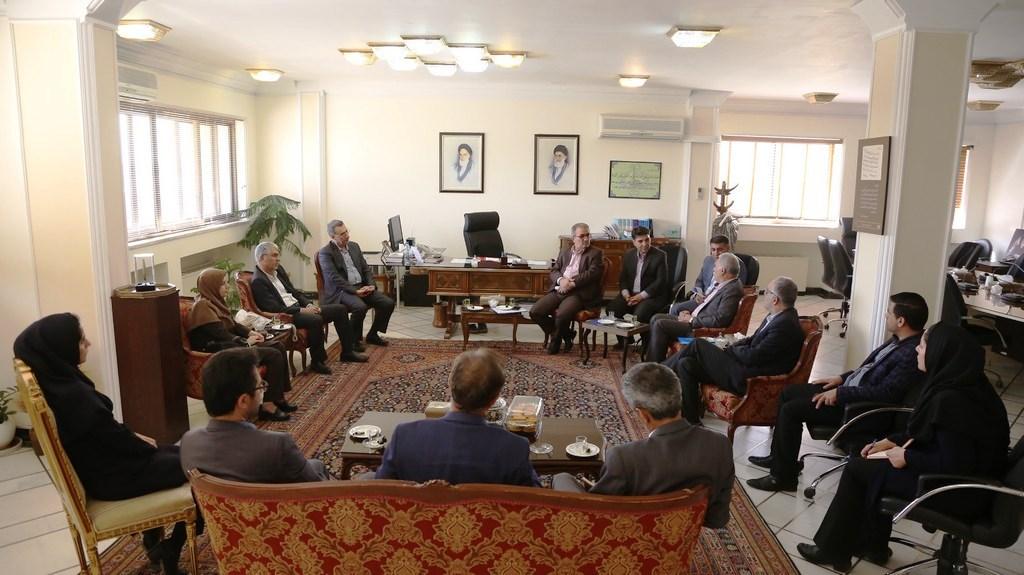 استاندار فارس در دیدار معاون وزیر صنعت، معدن و تجارت
