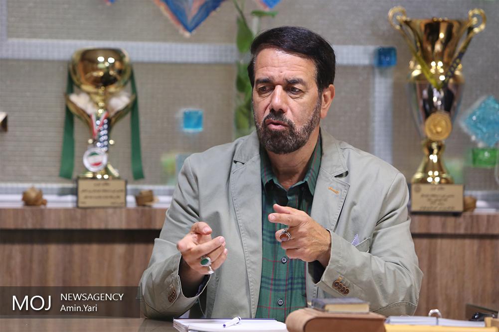 دکتر محمودرضا امینی مدیر عامل موسسه مرور وقایع جهان