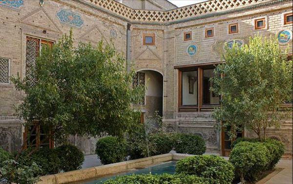 خانه تاریخی ملک
