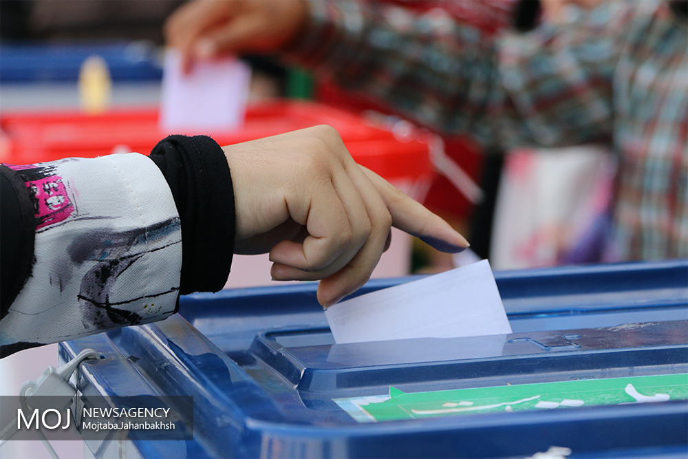 تنور داغ انتخابات در شرق هرمزگان