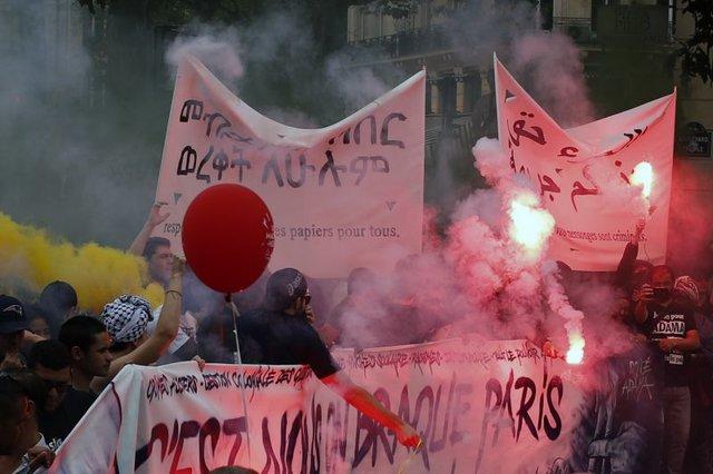 تظاهرات.