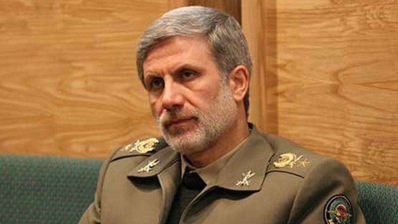 امیر حاتمی وزیر دفاع ایران