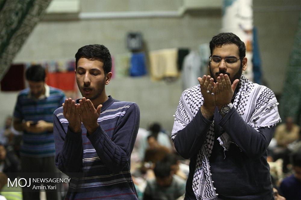 اعتکاف در دانشگاه تهران
