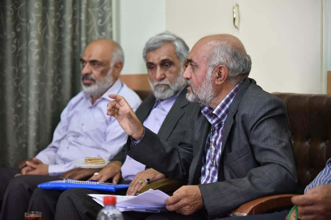 آیت الله دژکام در دیدار  اعضای شورای مرکزی دفتر نمایندگی آستان قدس رضوی در استان فارس