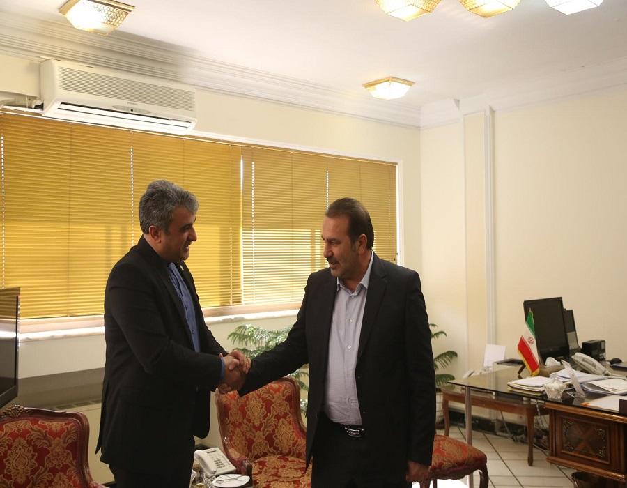 عنایت اله رحیمی استاندار فارس در دیدار مدیرعامل شرکت نمایشگاه های بین المللی جمهوری اسلامی ایران  4