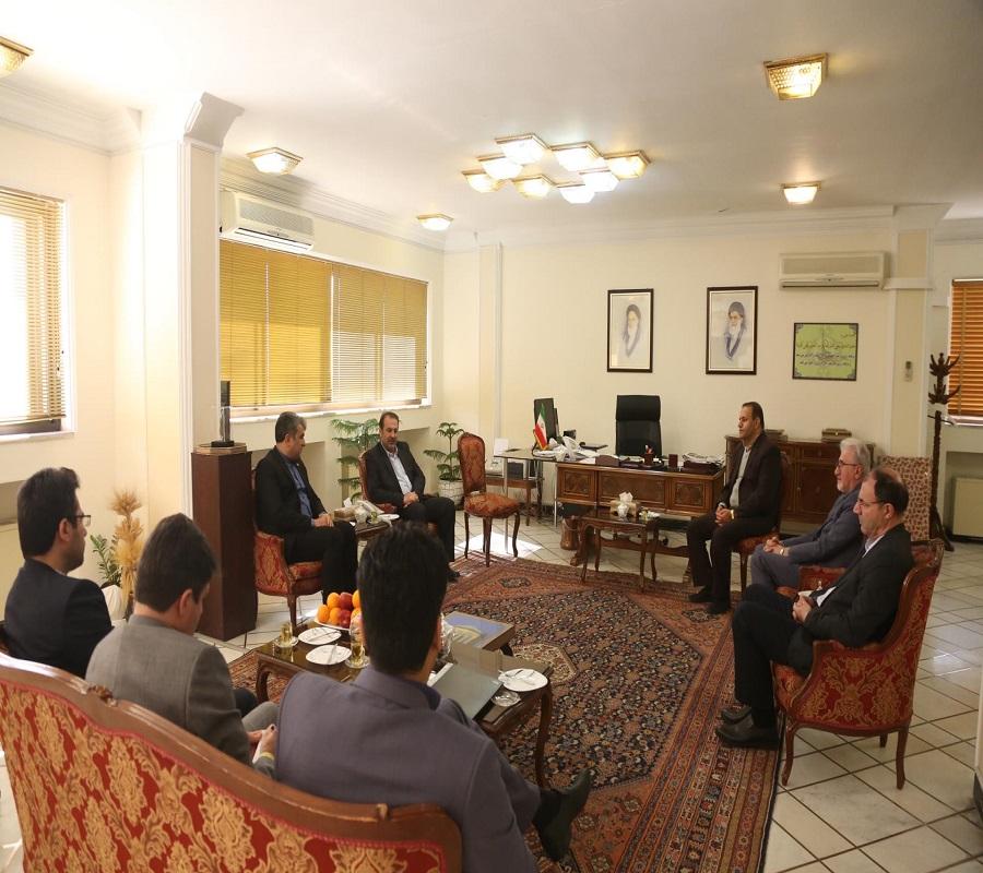 عنایت اله رحیمی استاندار فارس در دیدار مدیرعامل شرکت نمایشگاه های بین المللی جمهوری اسلامی ایران  2