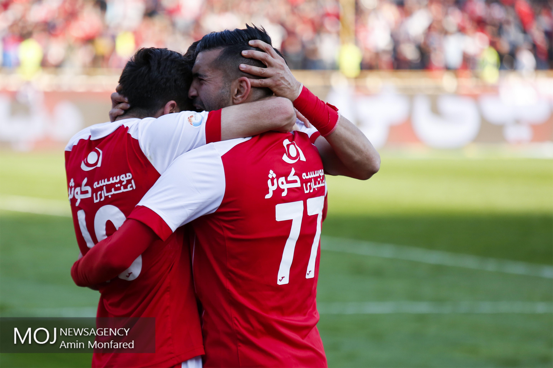دیدار تیم های فوتبال پرسپولیس تهران و تراکتورسازی تبریز