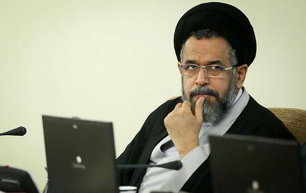وزیر اطلاعات از خدمات آستان قدس رضوی تقدیر کرد
