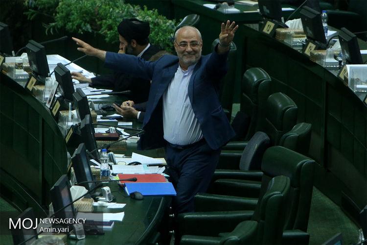 ظریف به مجلس احضار شد