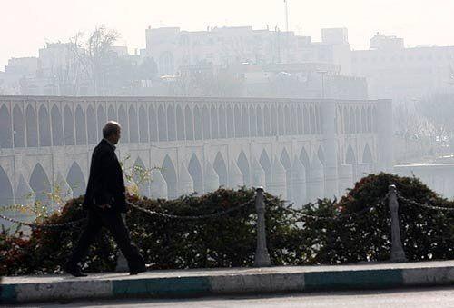 کیفیت هوای اصفهان برای گروه های حساس ناسالم است / شاخص کیفی هوا 134