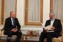 تقدیم رونوشت استوارنامه سفیر جدید بوسنی