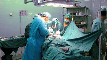جراحی موفقیت آمیز یک تومور نادر در بیمارستان ولیعصرقائمشهر