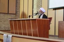 نیروهای مسلح باید شیوه حراست از انقلاب اسلامی را بدانند