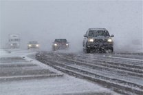 بارش شدید برف در محورد داران - الیگودرز / تردد فقط با زنجیر چرخ
