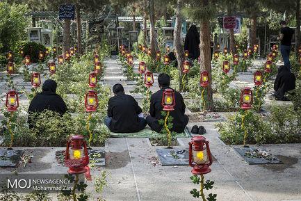 روز+یازدهم+ماه+محرم+در+کنار+مزار+شهدای+دفاع+مقدس (1)