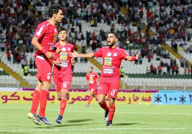 پیروزی سپید رود مقابل سپاهان اصفهان/ نخستین پیروزی علی کریمی با سپیدرود