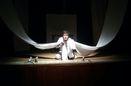 نمایش دهانی پر از کلاغ در پردیس تئاتر تهران روی صحنه میرود