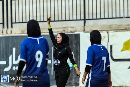 دیدار تیم های فوتبال ساحلی بانوان شهرداری فرح آباد و ايمن گيلان