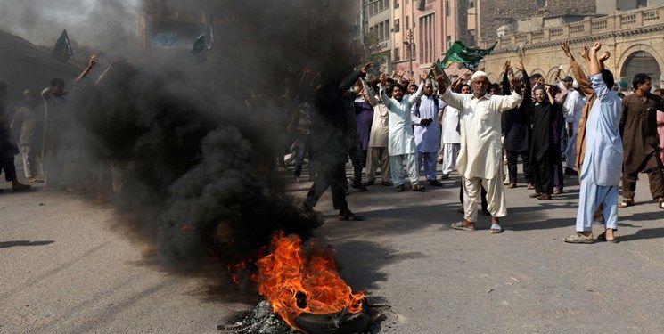 تظاهرات در بنگلاش درپی اهانت به ساحت مقدس پیامبر اکرم