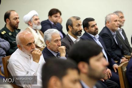 دیدار جمعی از مسئولان و فعالان فرهنگی با مقام معظم رهبری