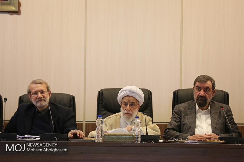 چرا مجمع تشخیص مصلحت نظام مصوبات مجلس را تغییر می دهد؟
