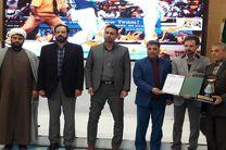 قهرمانان برتر ورزشی در خمینی شهر تجلیل شدند