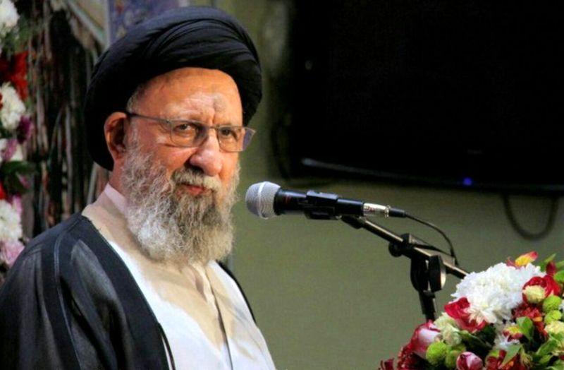 مسئولان انتظامی و امنیتی باید قاتل و عامل قتل امام جمعه رضا آباد را شناسایی کنند