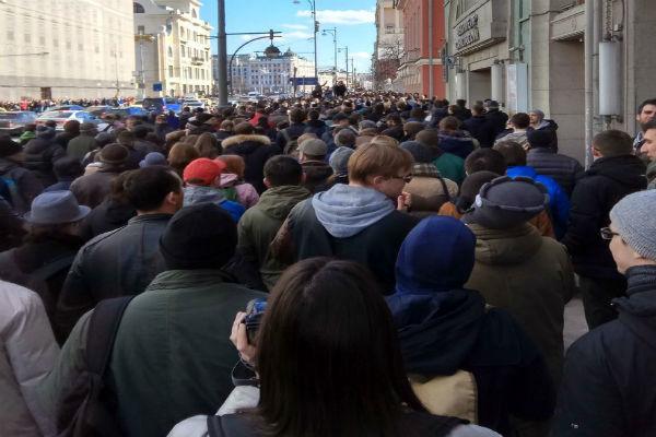 کاخسفید بازداشت معترضان روسی را محکوم کرد