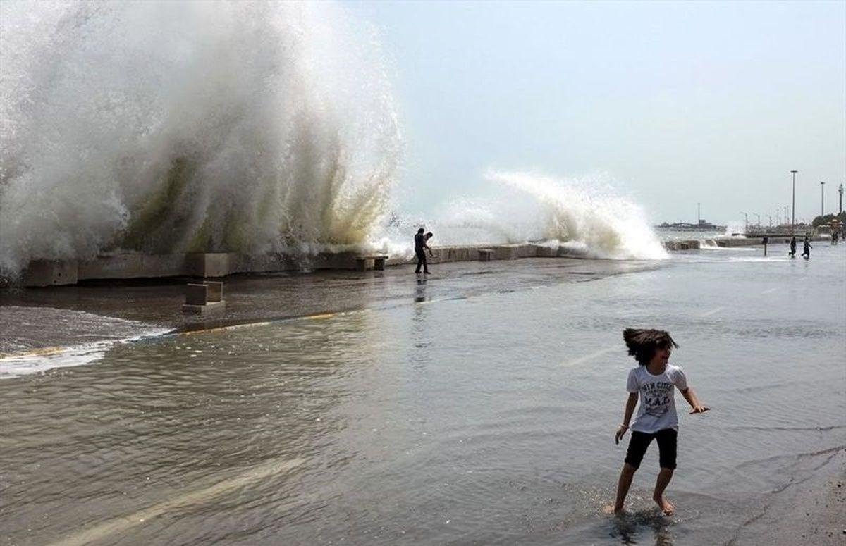 شناورهای سبک از تردد دریایی خودداری کنند/  رگبار پراکنده باران در هرمزگان