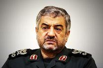 فرمانده کل سپاه از اقدامات سرلشکر فیروزآبادی تقدیر کرد