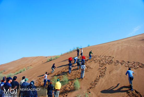 از طرحهای تحقیقاتی با رویکرد تغییر اقلیم، اکوتوریسم و گردشگری حمایت می شود