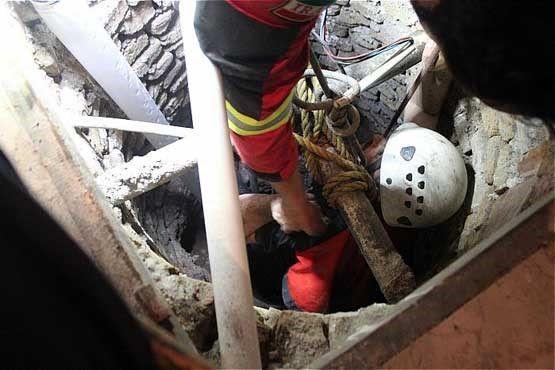 نجات معجزه آسای جوان 29 ساله اصفهانی از عمق چاه 30 متری