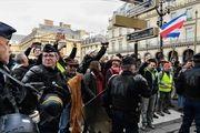 پلیس فرانسه 32 معترض جلیقه زرد را بازداشت کرد