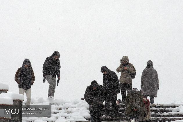 سامانه بارشی سه شنبه 10 بهمن از کشور خارج می شود