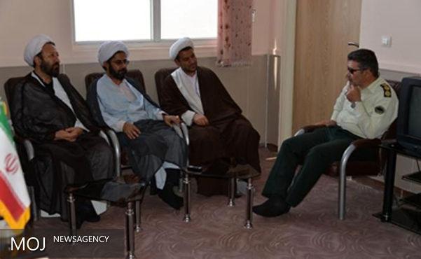 نیروی انتظامی و حوزه علمیه هر دو در خط قرآن و مکتب اهل بیت(ع) حرکت می کنند