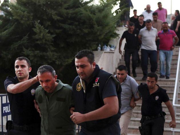 بازداشت بیش از 1200 نفر دیگر در هفته گذشته