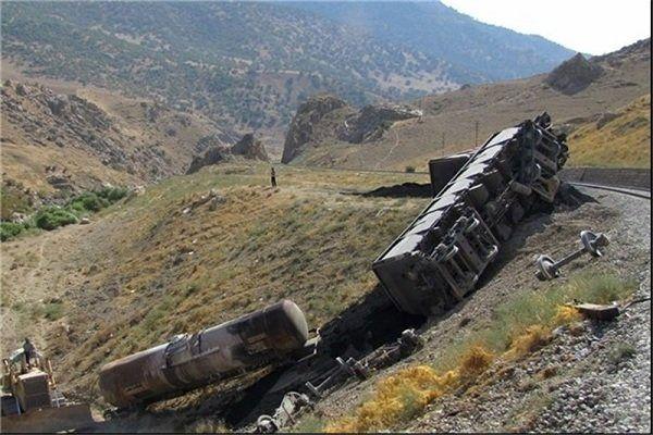 جزئیات واژگونی قطار باری ایران به ترکیه در منطقه قطور