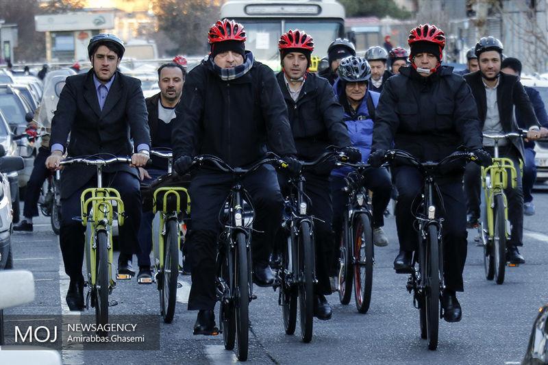 دعوت شهردار تهران از دانشجویان برای شرکت در کمپین سه شنبه های بدون خودرو