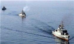 نیروی دریایی ایران در منطقه راهبردی هرمز رزمایش برگزار میکند/ سکوت ناوگان پنجم آمریکا