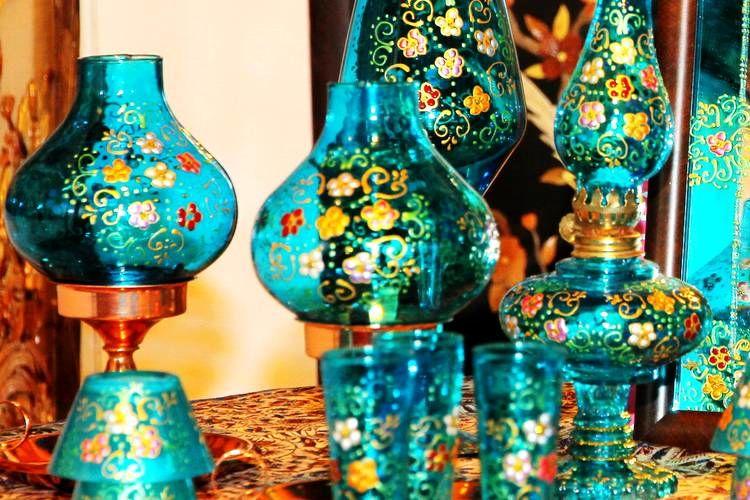 برپایی نمایشگاه آثار شیشه گری هنرمند تفتی در موزه مردم شناسی تفت