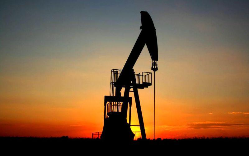 معاملات نفت در بازار جهانی با کاهش گشوده شد