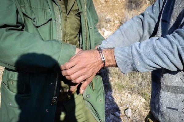شکارچی متخلف در حاجی آباد دستگیر شد